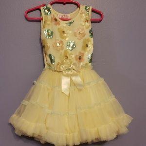 Sleeves little girl dress